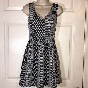 Cute black and white dress size S